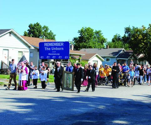 09-15-2019-GC---Bishop-Paprocki-leads-the-faithful-in-prayer-on-Rosary-walk