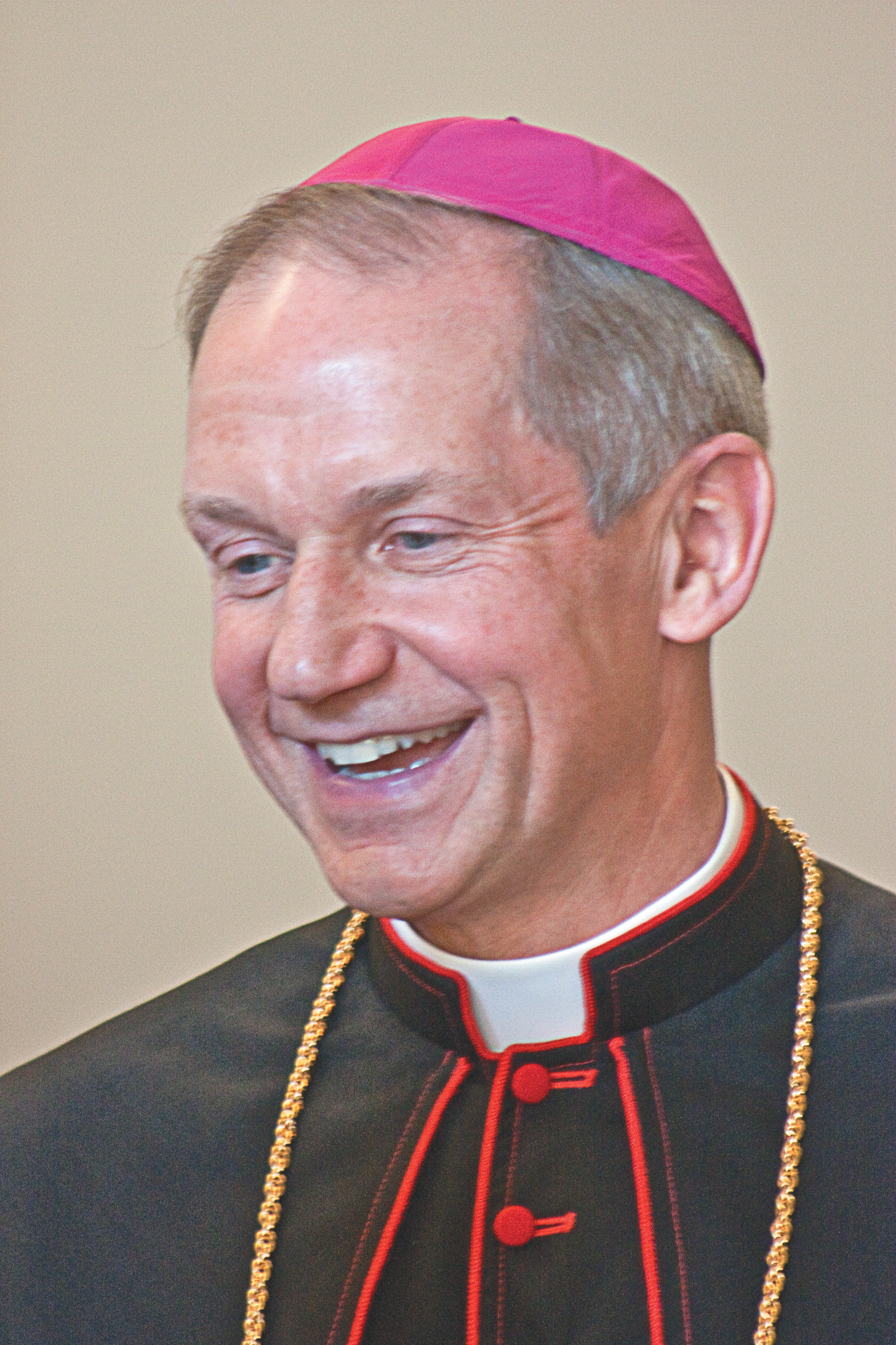 http://www.dio.org/uploads/images/departments/bishop/official_portrait/Bishop_Thomas_J_Paprocki.jpg